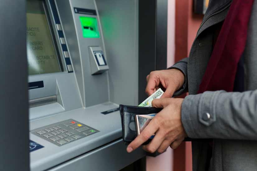 Límite máximo de dinero que se puede sacar de un banco