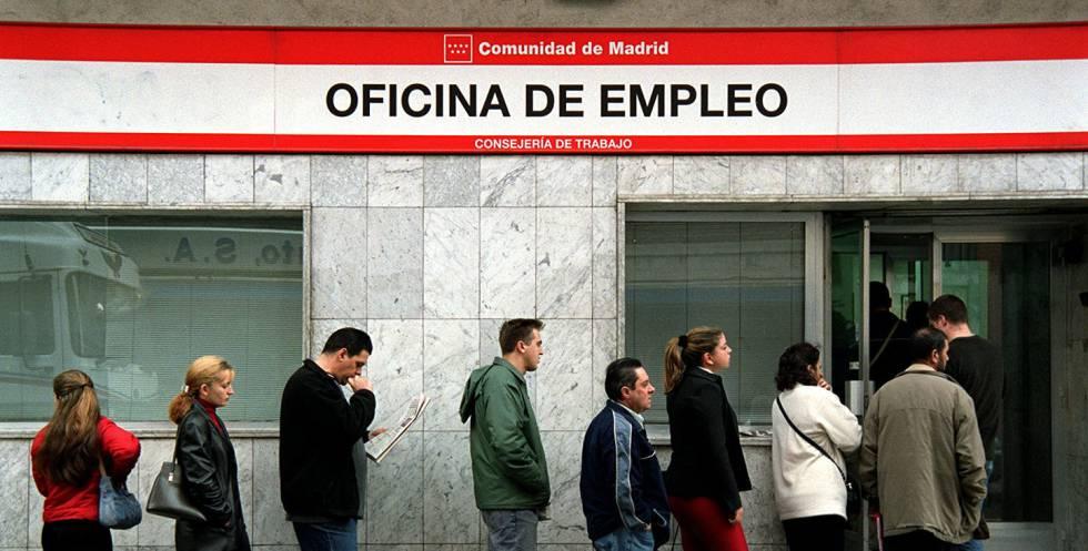 Frenazo en la creación de empleo y el descenso del paro