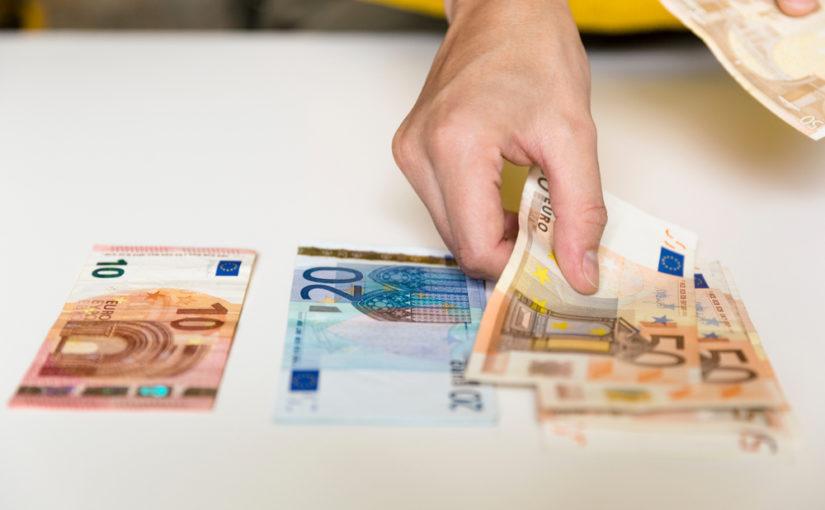 Podemos y los sindicatos piden al gobierno una subida del salario mínimo a 1.000 euros