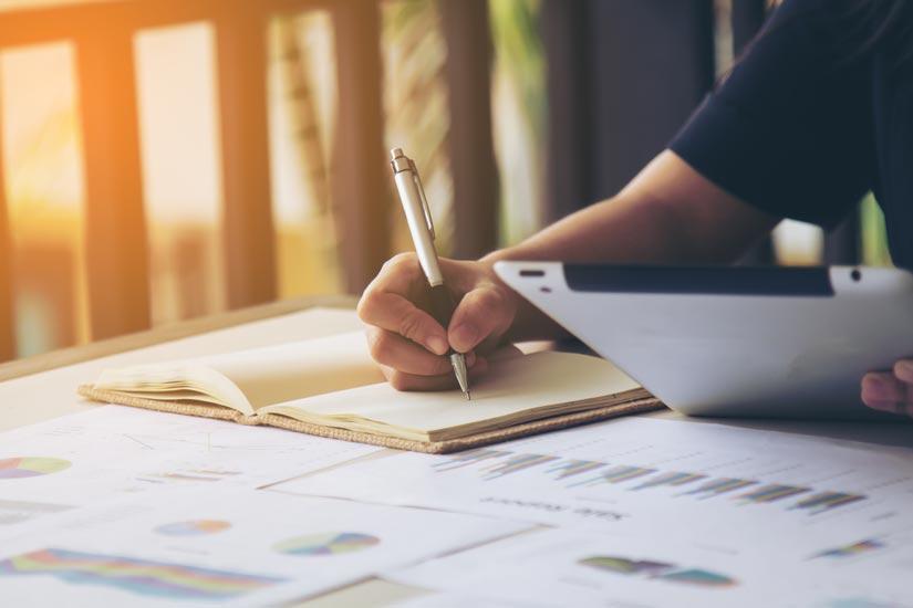 Las ventajas de hacer un máster online sobre dirección financiera